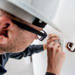 electricista autónomo trabajador